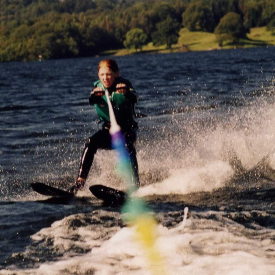 Image of Anna - Waterskiing